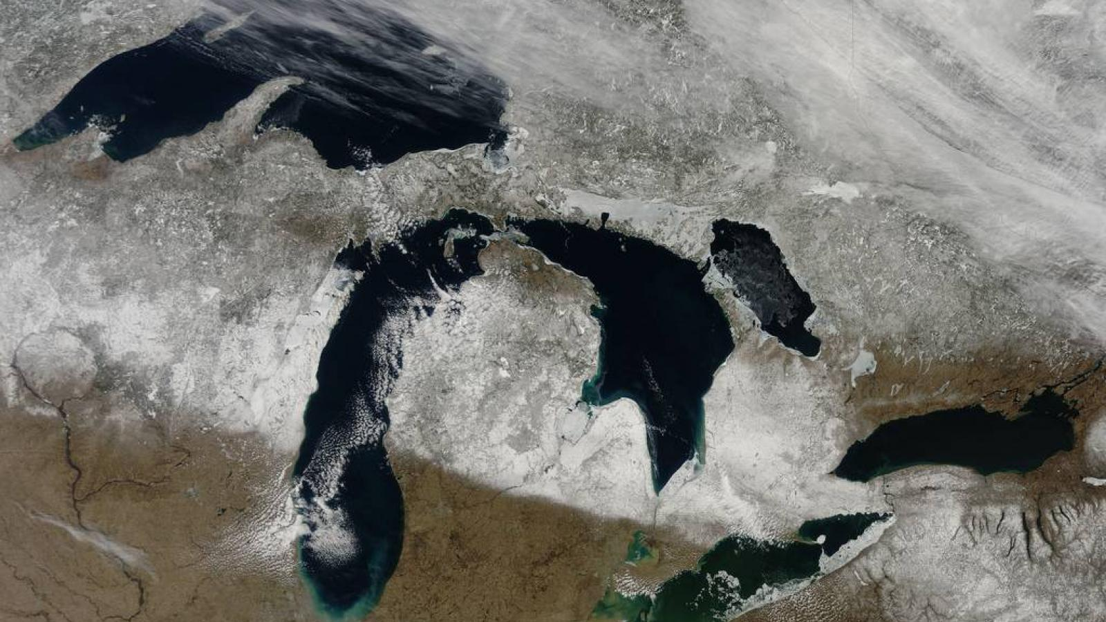 Great Lakes in Winter